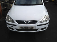 BREAKING - VAUXHALL CORSA C FACELIFT - FRONT BUMPER - WHITE - ALL PARTS AVAILABLE