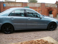 MERCEDES 200 KOMPRESSOR 12 MONTH MOT, 1 OWNER FROM NEW, WITH FULL SERVICE HISTORY IMMACULATE MOTOR.