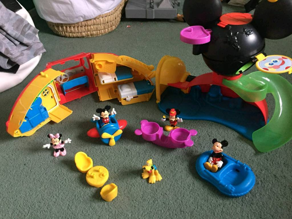 Mickey mouse house and campervan