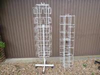 Swivel mobile display hanging rack