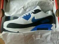 New nike air trainers