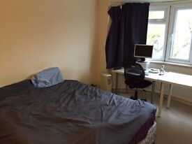 Double room in peaceful shared house in Golders Green - £427/month (exc. bills)