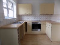 Spacious Modern 1 Bed Flat, Close to Train Station, Town Centre, ON-Site Gym - Available Now No DSS