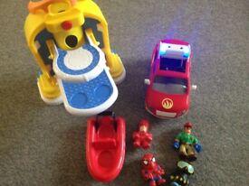 Playmobil flashing fire engine car makes noises stick on bath toy Spider-Man etc toy