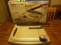Twin cutter guillotine - NEW