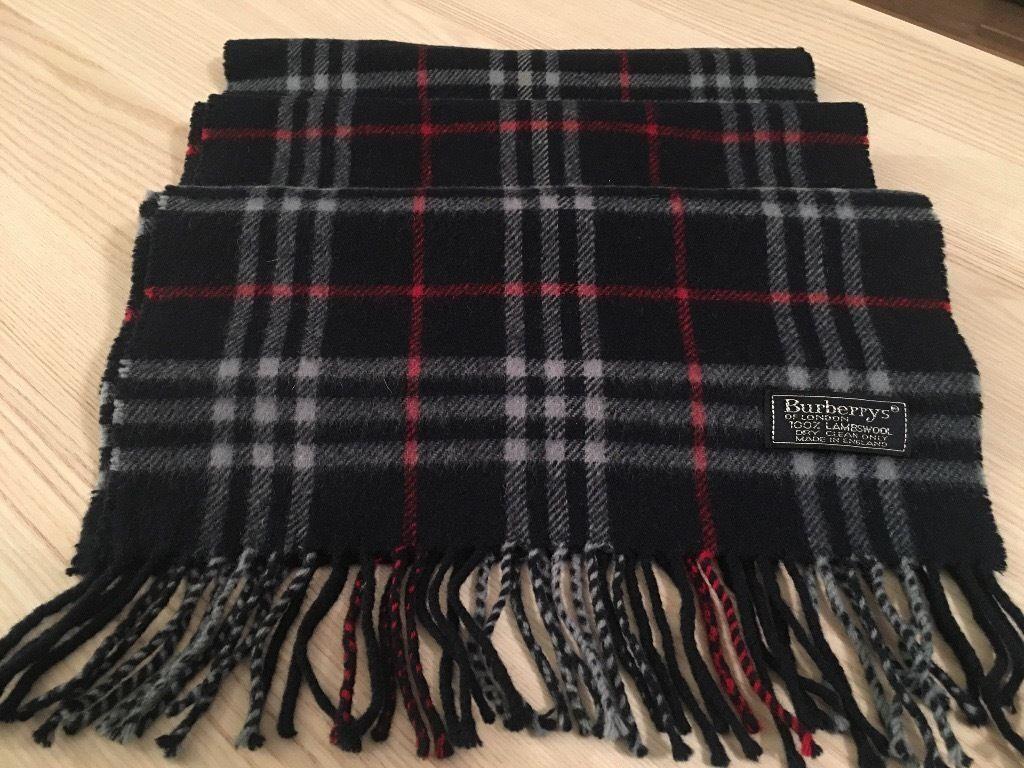 Genuine Burberry nova check dark blue wool scarf, priced to sell