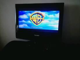 "TECHNIKA 15"" TV DVD COMBI PLAYER"