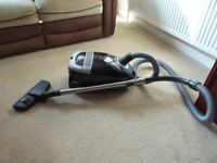 Miele 2200w cylinder vacuum cleaner