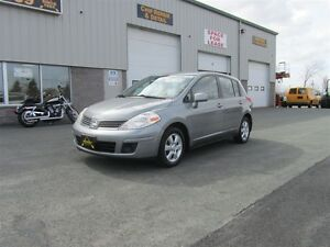 2007 Nissan Versa - nice little hatch with low kms!