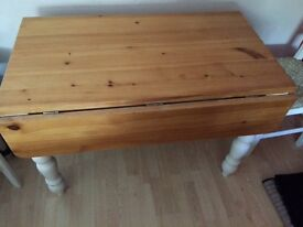 Dining Table **extendable**