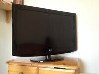 """32"""" LG LCD 720p TV - HD Ready, perfect condition!"""