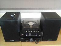 Sandstrom CD radio with speakers