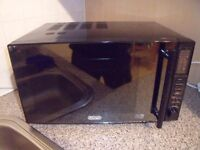 DeLonghi combi microwave / convection oven & grill 900W - £30