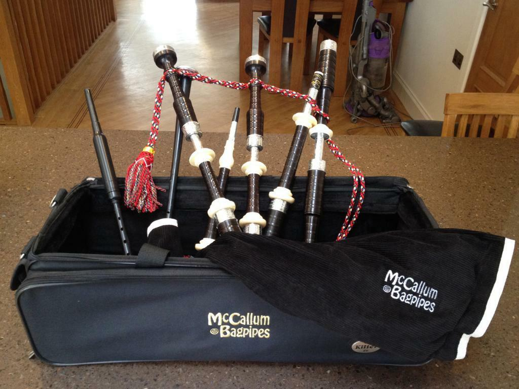 McCallum Bagpipes AB4 Deluxe with Celtic design