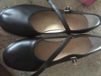 Bloch tap shoes 2.5