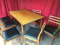 WOODEN EXTENDABLE DINING TABLE WITH 6 CHAIRS,CAN DELIVER