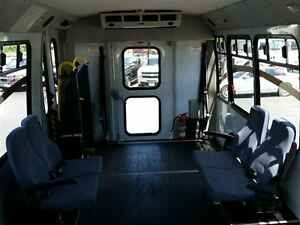 2006 GMC Savana 3500-HANDI-CAP VAN-POWER WHEEL CHAIR LIFT Belleville Belleville Area image 12