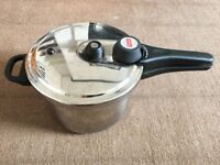 Prestige Stainless Steel 5.5 litre Pressure Cooker Type 70021 in excellent condition.