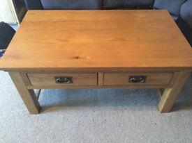 Solid Oak and Oak veneer Coffee table - The range