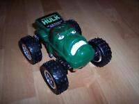 Belle voiture de Hulk qui se transforme