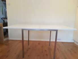 White high gloss folding table
