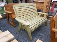 Comfy & sturdy wooden garden bench