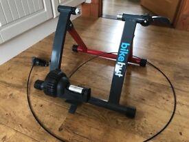Turbo Trainer Bikehut for sale six months old £30