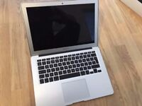 MACBOOK AIR EARLY 2015 13.3 INCH (MINT CONDITION) WITH CHARGER