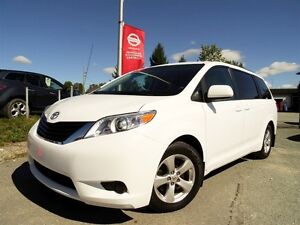2013 Toyota Sienna LE + MAGS + CAMERA + 8 PASSAGERS + 90 716 KM!