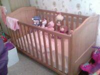 Cot bed for dsle