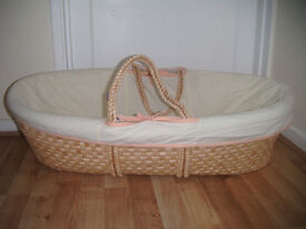 Moses Basket and Mattress Unisex