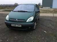 Citreonpicasso family salon in lovely green colour mot ultra reliable car in nice condition all over