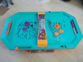 Scooby Doo Air Hockey Game Age 3+ - Has Original Box but Box is very Tatty - Collect PE27
