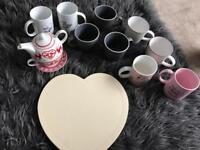 Cups/teapot/place mats