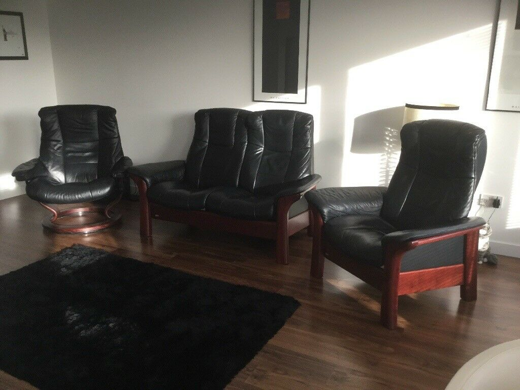 REDUCED BY £149 !! Ekornes Stressless Black Leather Windsor 2 Seater Sofa and 2 Reclining Chairs