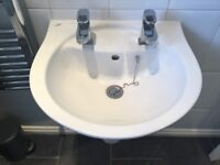 IDEAL 500 sink and taps