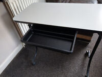 Folding manicure table. good condition.