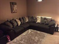Corner Sofa/Settee & Cuddler