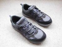 Mens Clarks Wavewalk Trainers Grey Size 8 Suede
