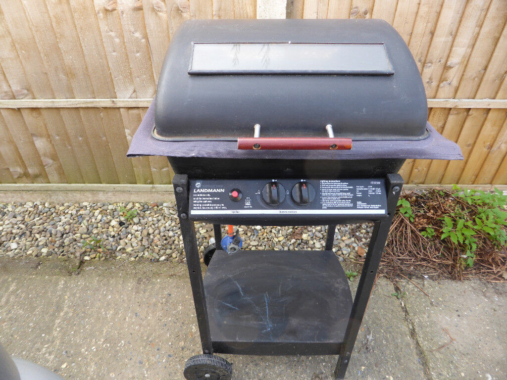 landmann grill chef two burner bbq, with hose and regulator, ready