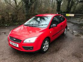 FORD FOCUS 1.6 SPORT 3d 100 BHP LOW PRICE AIR CON /ALLOYS (red) 2005