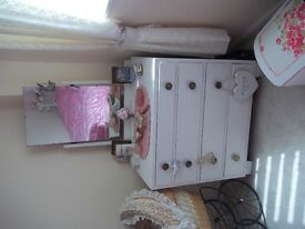 vintage dressing table/matching drawers