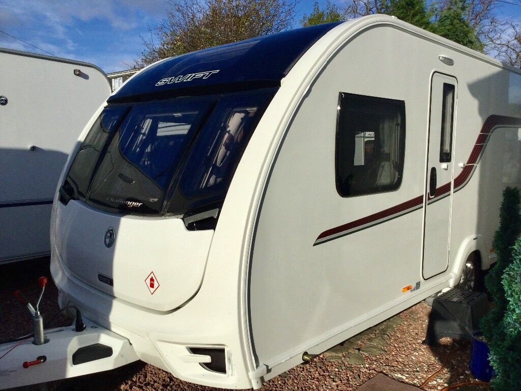 2016 Swift Challenger 580 (Fixed Transverse Bed, Full End Washroom)