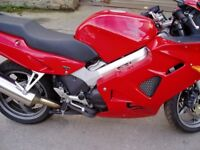 Honda VFR800 FI 1 2001 VERY LOW MILES ONLY 5884 MILES