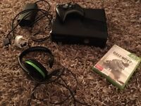 Xbox 360, 2 controllers, Call of Duty Advanced Warfare, Xbox headset