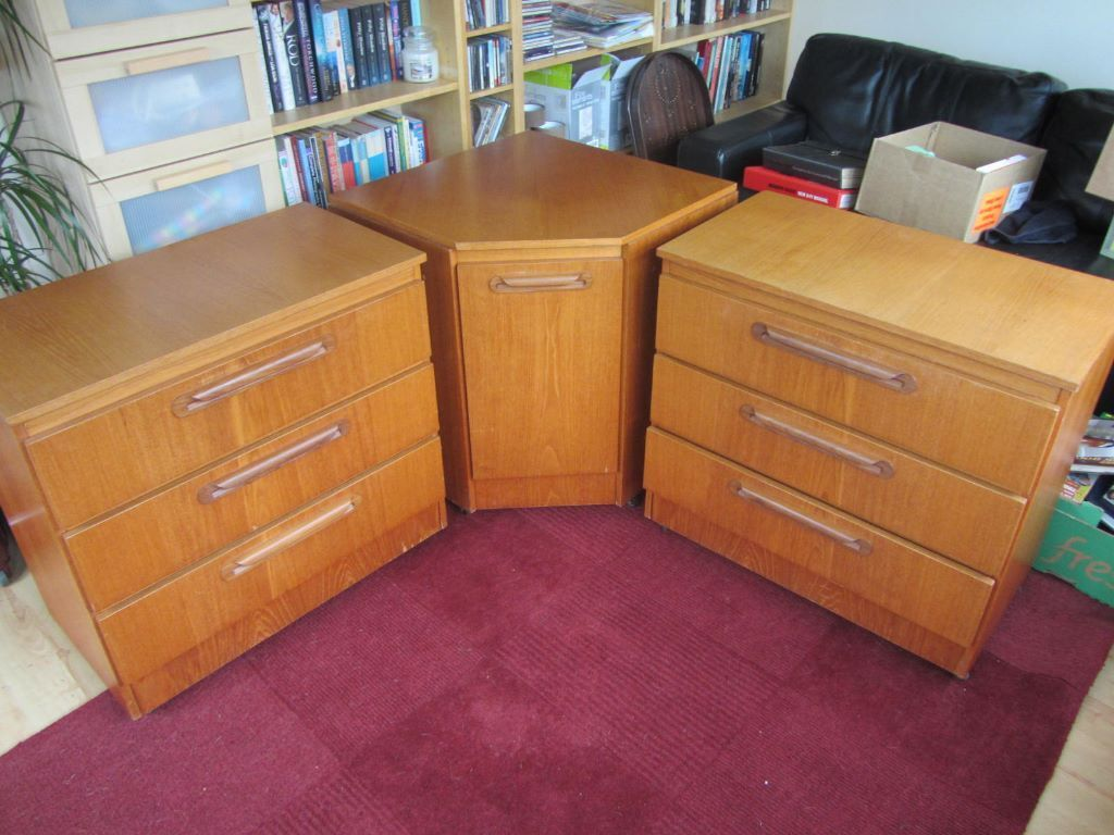 3 pieces of sakol bedroom furniture 2 drawers 1 corner unit similar to g plan in buckstone. Black Bedroom Furniture Sets. Home Design Ideas