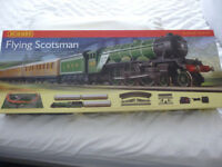 Hornby R1072 Flying Scotsman OO Gauge Train Set in Excellent condition