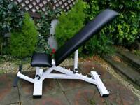 Full commercial Incline decline bench rated to 300 kg
