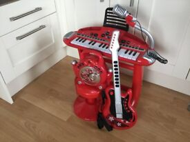 ELC crazy sounds keyboard and stool