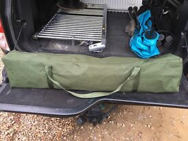 camp bed US Army Cots: quick assembly comfortable sleep light aluminium construction